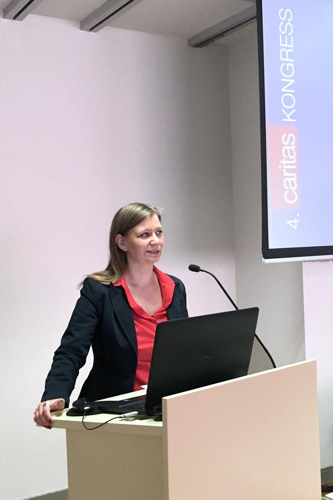 Speakerin Antje Hein, Vortrag beim Caritas-Kongress